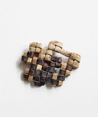 沢胡桃のブローチ 『畳み結び12つ』岩手県産のクルミ樹皮