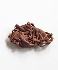 山葡萄のブローチ 『無造作』岩手県産の山ブドウ樹皮