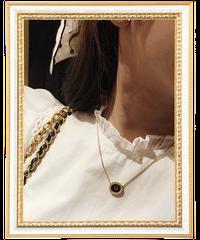 【Dior】オーバルラインストーンロゴプレートネックレス ブラック