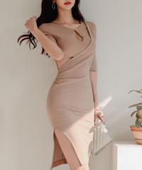 ウエストサイドカットスリッドドレス