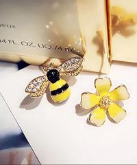 キラキラミツバチ&フラワーピアス