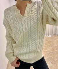 キーネックcable編みプルオーバーknit《アイボリー》