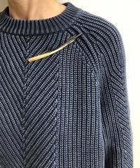 kostkamm / extra slender horn brooch