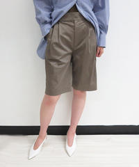 [21SS] TUCK DESIGN BERMUDA SHORTS