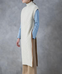 [19AW] CABLE KNIT LONG GILET