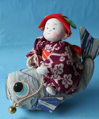 鯉に乗った五月人形