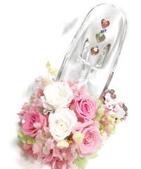 【プリザーブドフラワー/ガラスの靴シリーズ】ピンクと白の可憐なミニ薔薇とハートたちの楽しい時間