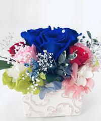 プリザーブドフラワー幸福の青い薔薇 とピンクと赤い薔薇の祝福【リボンラッピング付き】