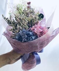 プリザーブドフラワーのパープルピンクの紫陽花とかすみ草と小花の花束(花束ラッピング付き)