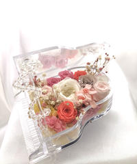 【プリザーブドフラワー/グランドピアノシリーズ】透明なグランドピアノとピンクの薔薇たちのスイートメモリーズ【リボンラッピング付き 送料無料】
