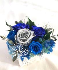 プリザーブドフラワー幸福の青い薔薇とシルバーのローズの魔法の枯れないお花【リボンラッピング付き】