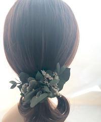 ユーカリ グリーンのボタニカルヘアクリップ髪飾り/プリザーブドフラワー/コサージュ使用可
