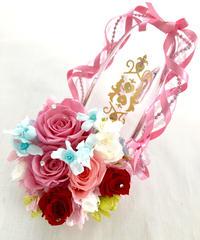 【プリザーブドフラワー ガラスの靴アレンジ】ピンクの薔薇とリボンの可愛く華やかな恋/フラワーケースリボンラッピング付き