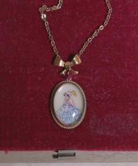 1920s handpainted porcelain necklace