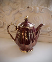 VTG   aurora burgundy tea pot