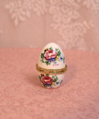 porcelain egg box