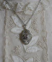 AVON amethyst silver pendant