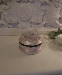 VTG pink rococo accessory box 1