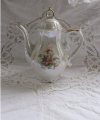 VTG aurora flower bouquet tea pot