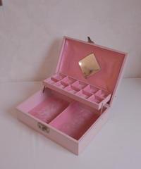 VTG pink accessory  box USA