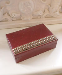 VTG red beads accessory box