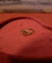 VTG gold signet ring