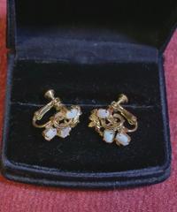 70s gold opal earring