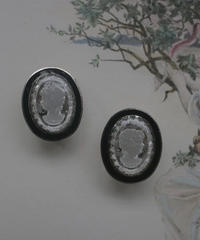 70s  black intaglio earring