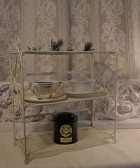 VTG shabby folding shelf