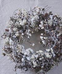 雪とつららのクリスマスリース
