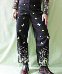 【tiny yearn】Butterfly Embroidery Black Pants