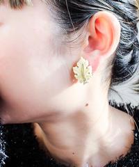 Vintage Lisner White Leaf Earring