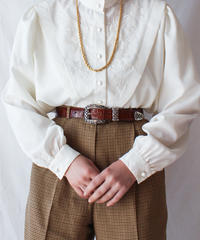 【Seek nur】Euro Embroidery White Blouse