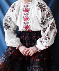 【Seek an nur】1930's Ukrainian   Embroidery Blouse