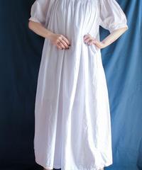 【Seek nur】Smocking Design White Dress