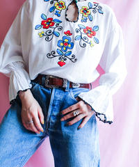 【tiny yearn】Flower Embroidery Tops