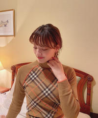 """ Burberry "" knit"