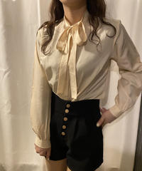 ribbon blouse