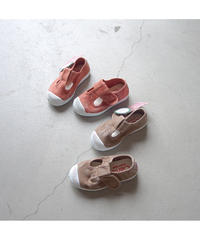 Cienta | T-strap shoes NEW