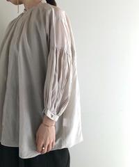 suzuki takayuki / puff-sleeve blouse
