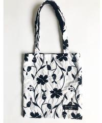 Embroidery tote_bag(white × black刺繍)