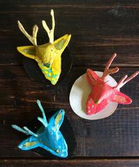 キャンディポップな鹿のブローチ
