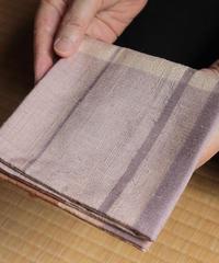 紬織出袱紗 – 「紫の中庭」