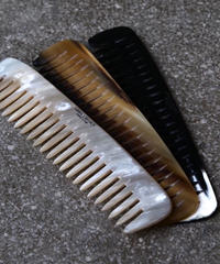 ABBEY HORN / COMB