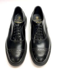 19.37 Rejected Tricker's / Black / Brogue Shoes / Leather  Sole / Size 8H