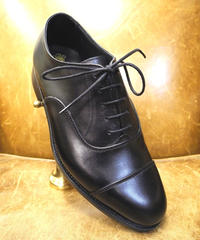 18.87 Rejected Tricker's / Black / Cap Toe Oxford Shoes / Leather Sole