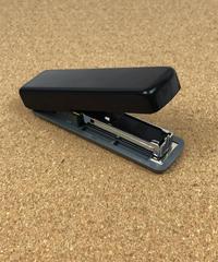 42412 MONOTONE 携帯用薄型たためるホッチキス