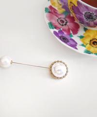 big  pearl brooch