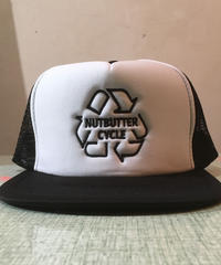 NUTBUTTER CYCLE  Mesh Hat ブラックxホワイト