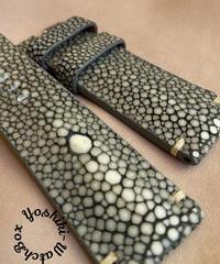 スティングレイ レザー 腕時計ベルト グレー (ラグ幅24mm - バックル幅22mm)  sti-18